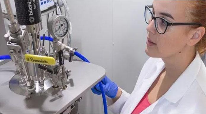 aimplas chica laboratorio color blanco
