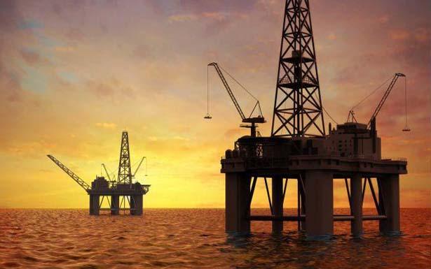 Histórico lunes negro para el petróleo estadounidense